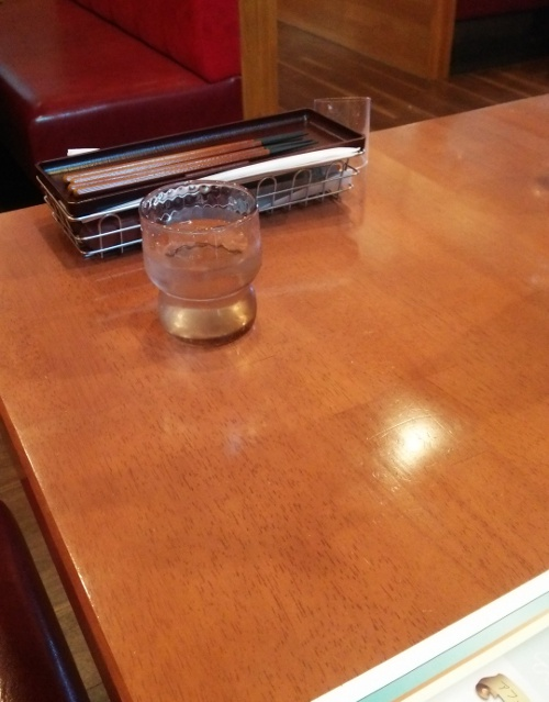 ブロンコビリーのテーブル。